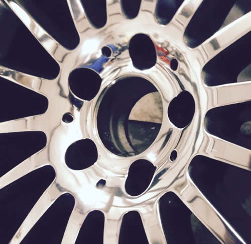 Polished alloy wheel repairs